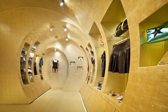 Как открыть магазин одежды правильно