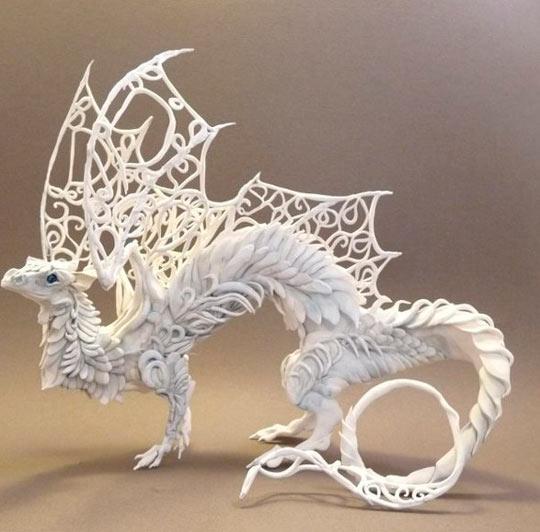 Скульптуры из пластилина: пластилиновый дракон