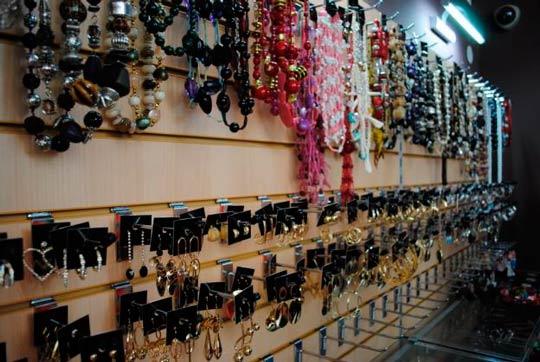 Как открыть магазин бижутерии: ассортимент