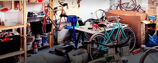 Ремонт велосипедов в гараже